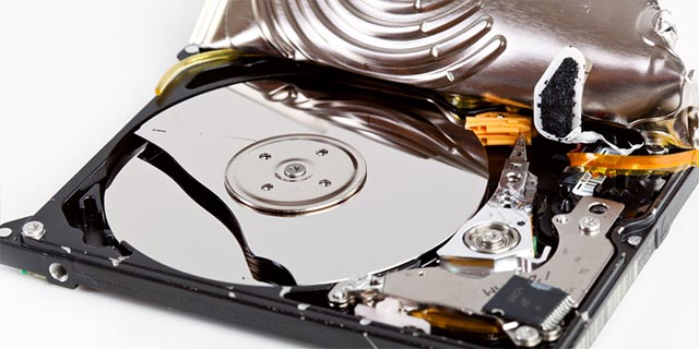 hard-drive-lifespan-physical-damage1